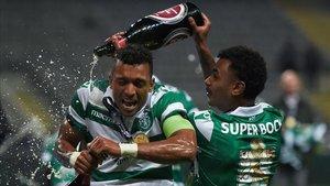 Nani celebra la recientemente conquistada Taça de Portugal