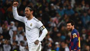 Ramos celebra la victoria del Madrid ante el Barça
