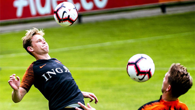 ¡Vaya golazo! De Jong se luce en el entrenamiento de Holanda