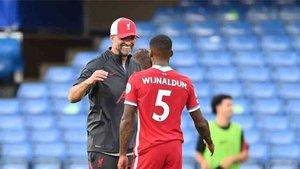 Wijnaldum no quiere renovar su contrato con el Liverpool