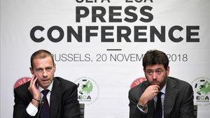 Aleksande Ceferin y Agnelli, en rueda de prensa