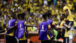 Barcelona de Guayaquil consigue una ligera ventaja ante Cerro Porteño