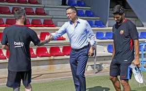 Bartomeu saluda a Leo Messi en la Ciutat Esportiva este pasado mes de julio
