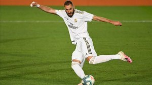 Benzema marcó de penalti