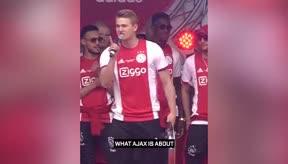 El emotivo discurso de De Ligt recordando la figura de Cruyff en la celebración del Ajax