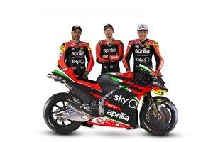 Iannone, Smith y Aleix Espargaró, con la nueva Aprilia