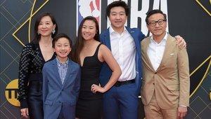 Joe Tsai completó la multimillonaria operación