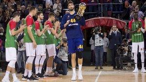 El Kirolbet Baskonia hizo el pasillo al Barça por el título de Copa