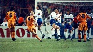 Koeman marcó en Wembley el gol más importante de la historia del Barça