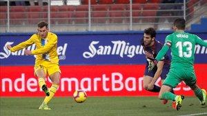 Leo Baptistao gozó de una ocasión muy clara de gol en Ipurua
