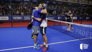 Maxi y Sanyo celebran el triunfo y un nuevo título en su palmarés