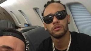 Neymar, en el jet privado