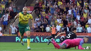 El Norwich sacó los colores a la defensa del Manchester City