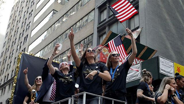 La selección femenina de fútbol de Estados Unidos celebra el mundial en Nueva York