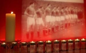 La tragedia aérea del Manchester United en Múnich en 1958 golpeó al fútbol