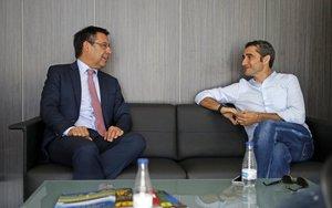 Valverde seguirá al frente del Barça