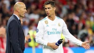 Zinedine Zidane junto a Cristiano Ronaldo, una fotografía que podría volverse a ver
