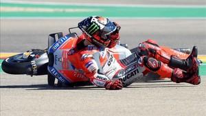 xortunoducati team s spanish rider jorge lorenzo falls du180923170821