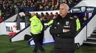 Alan Pardew se enfrenta al Chelsea de Conte este lunes