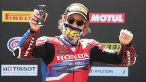 Bautista celebra el podio de la semana pasada en Aragón