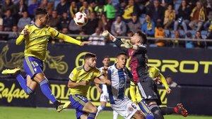 El Cádiz goleó al Elche en la última jornada del torneo