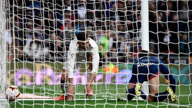 Ceballos fue titular ante el Huesca y se encargó de remontar el partido