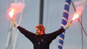 François Gabart celebra el nuevo récord de Vuelta al Mundo