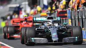 Hamilton sigue intratable en Australia