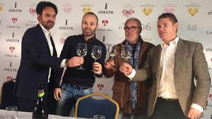 Iniesta presentó su nuevo vino, Corazón Spumante