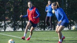 Las jugadoras del Barça Femenino en la sesión de entrenamiento de este miércoles