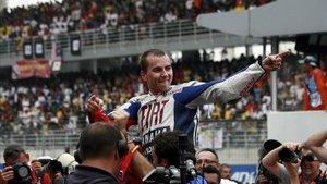 Lorenzo se coronó por primera vez campeón de MotoGP en 2010