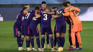 Los jugadores del Valladolid hacen piña antes de un partido