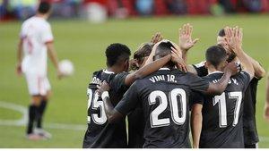 El Madrid celebra el gol que le acabó dando la victoria