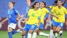 Marta dio el triunfo a Brasil desde el punto de penalti.