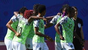 Nigeria celebra el gol ante Corea