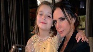 Victoria Beckham ha sometido a su hija Harper a su primer tratamiento de belleza | Elle