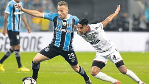 Arthur firmó una actuación convincente en la final de la Libertadores