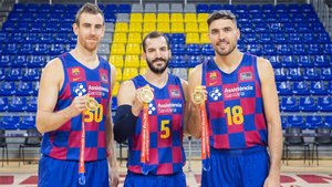 Claver, Ribas y Oriola con sus medallas de oro conquistadas en el Mundial de China