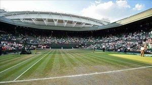 Compensación multimillonaria para el añejo trofeo sobre la hierba londinense