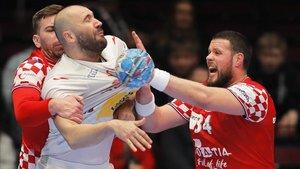 Joan Cañellas ya sufrió la dureza de la defensa croata en la segunda fase