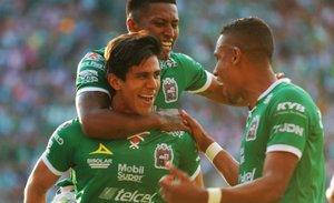 León derrotó a Chivas y ya está en zona de clasificación