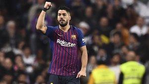 Luis Suárez marcó dos goles y participó en un tercero en colaboración con Varane