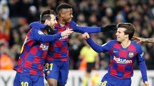 Messi, Ansu Fati y Riqui Puig