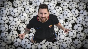 What music does Barcelona's Messi listen to for motivation?