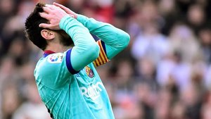 Messi lamenta una de las ocasiones falladas