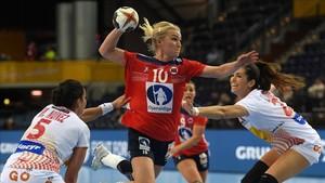 Noruega impuso sus recursos y se metió en cuartos de final