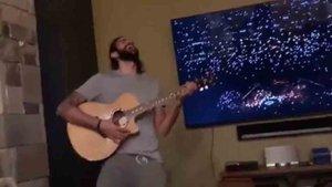 Ricky Rubio cantó junto a Maroon 5 en el descanso de la Super Bowl