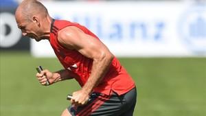 Robben afronta con optimismo su décima temporada en la filas del Bayern de Munich