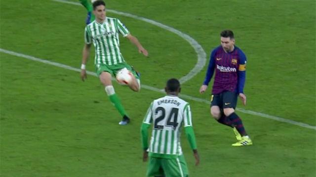 ¡La ROSCA de D10S! El golpeo imposible de Messi, de primeras, que acabó con aplausos del Villamarín