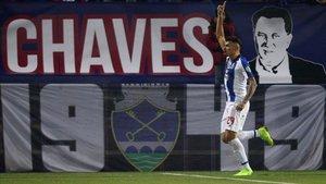 Tiquinho celebrando uno de sus goles